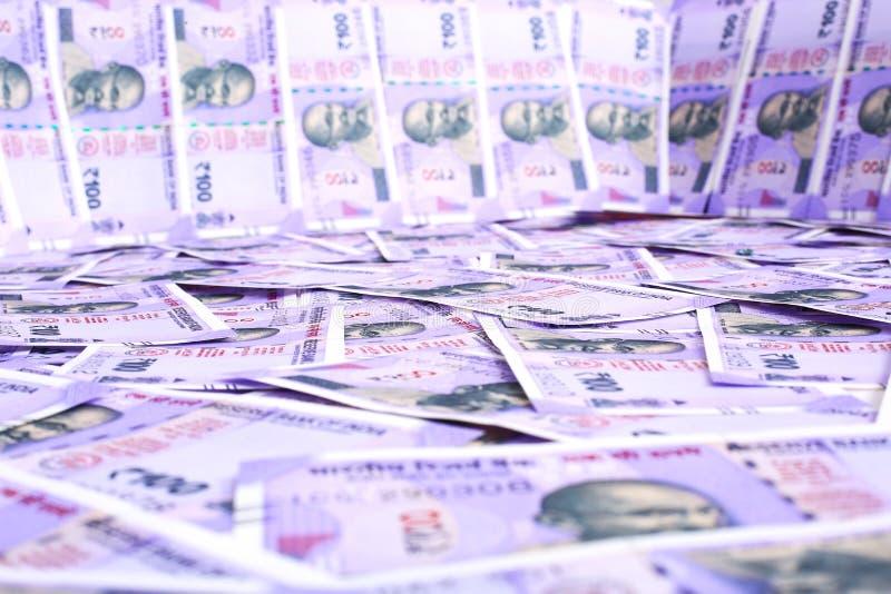 Cem dinheiros indianos novos fotografia de stock