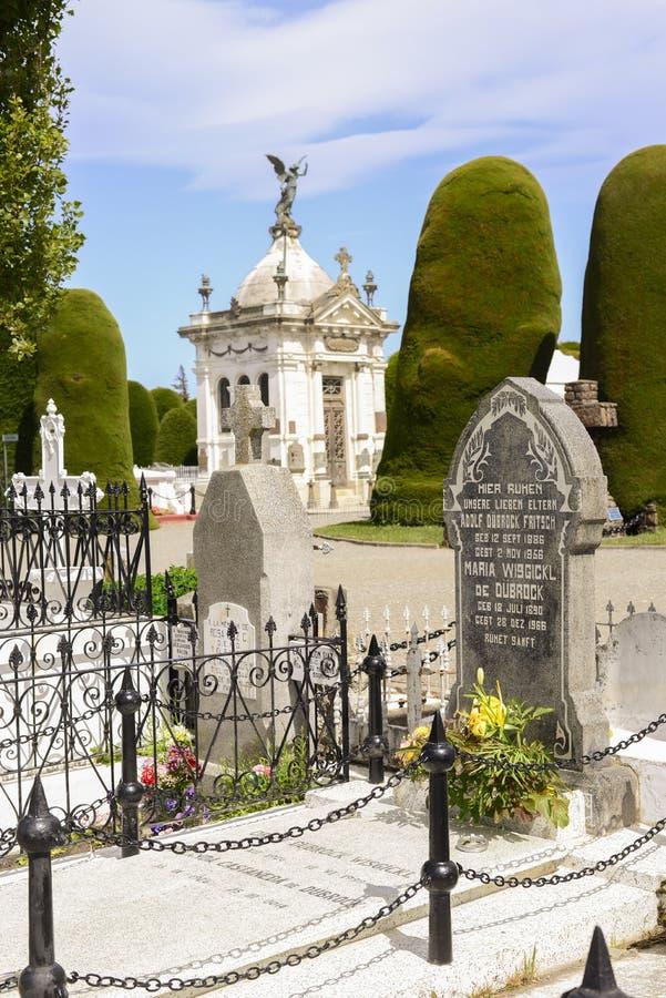 Download Cementerio foto de archivo. Imagen de halloween, fantasmas - 64203072