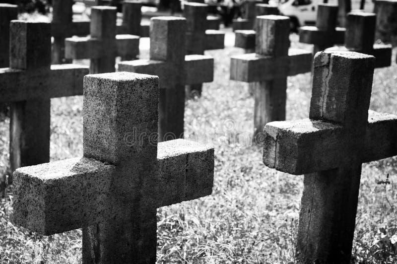 Cementerio blanco y negro fotografía de archivo libre de regalías