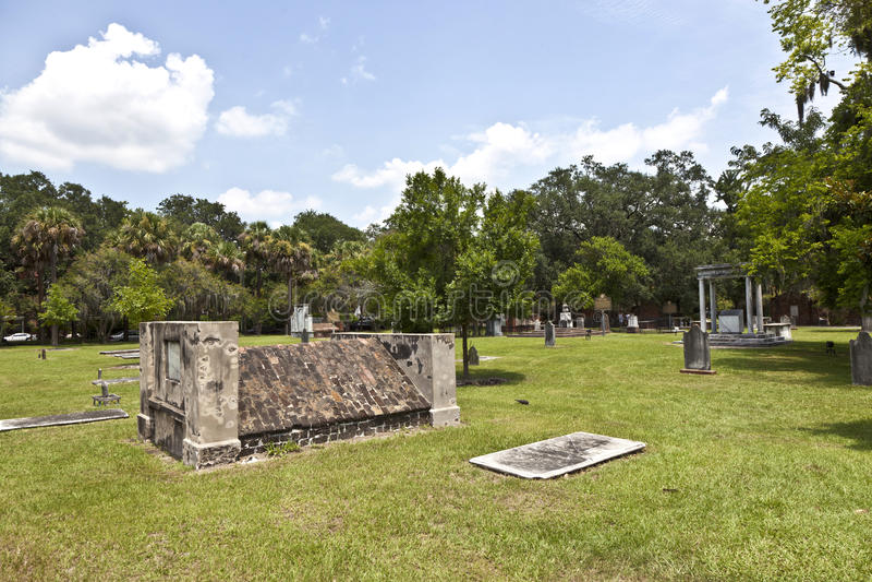 Cementerio colonial del parque en sabana imágenes de archivo libres de regalías