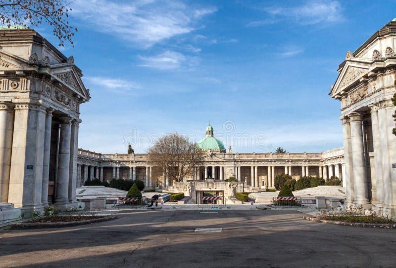 Cementerio monumental del Certosa de Bolonia imagenes de archivo
