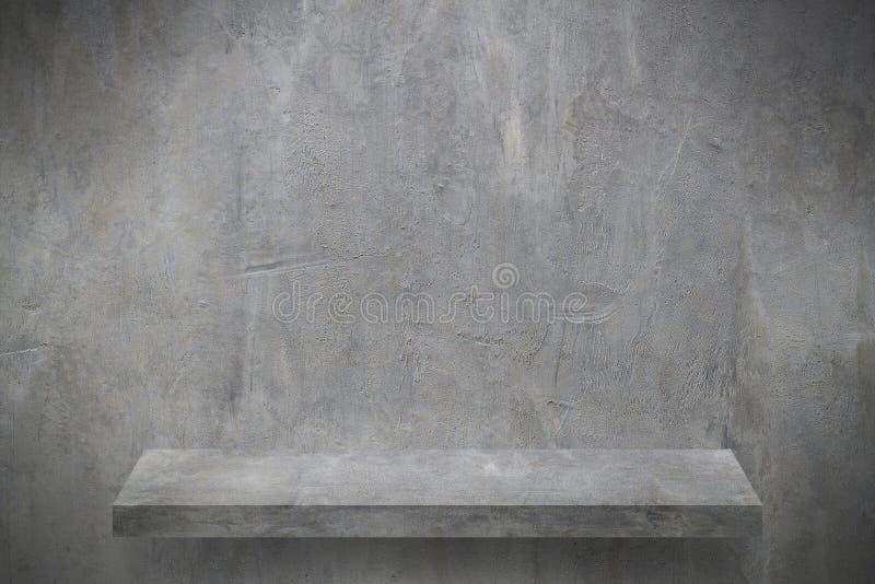 cementowa ściana z półką dla produktu pokazu zdjęcia stock