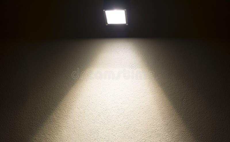 Cementowa ściana z punktu światłem fotografia stock