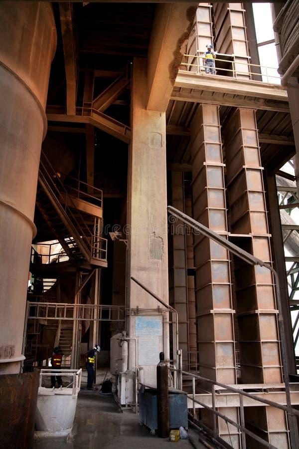 Cementowi pracownicy fabryczni fotografia royalty free