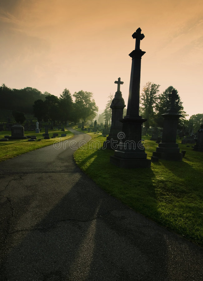 Free Cemetary Silhouettes Royalty Free Stock Images - 3275489