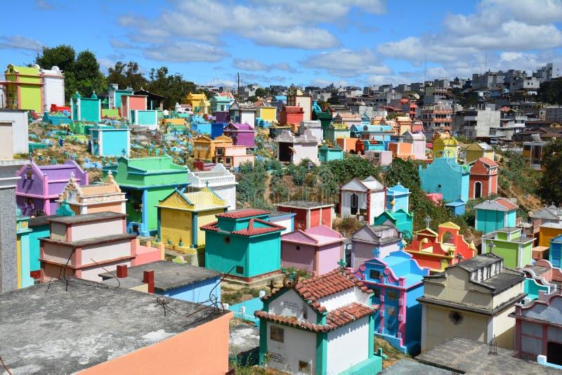 Cemitério colorido na Guatemala de Chichicastenango imagem de stock