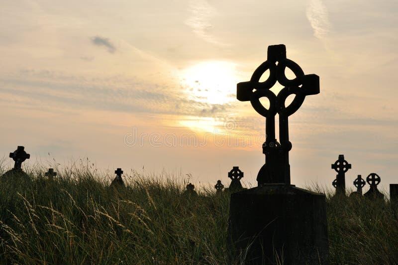 Cemitério da Irlanda no por do sol 1 fotografia de stock royalty free