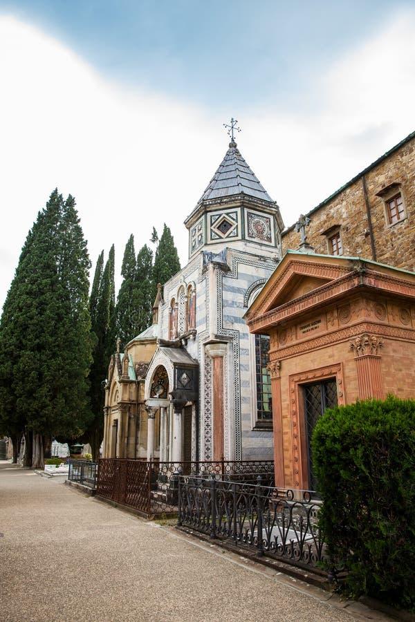 Cemitério da porta santamente um cemitério monumental situado dentro do bastião fortificado da basílica do al Monte de San Miniat imagens de stock
