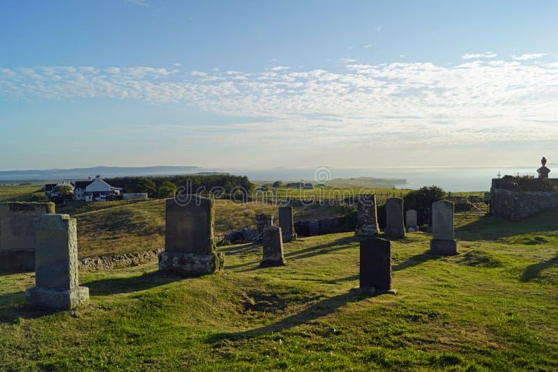 Cemitério de Kilmuir, sepultura do ` s de Flora MacDonald fotos de stock royalty free