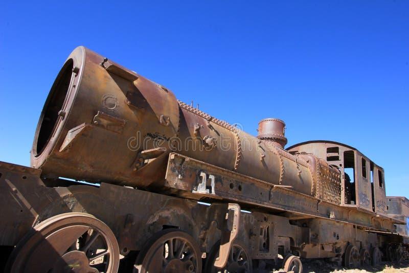 Cemitério de trens velhos oxidados em Uyuni, Bolívia fotos de stock