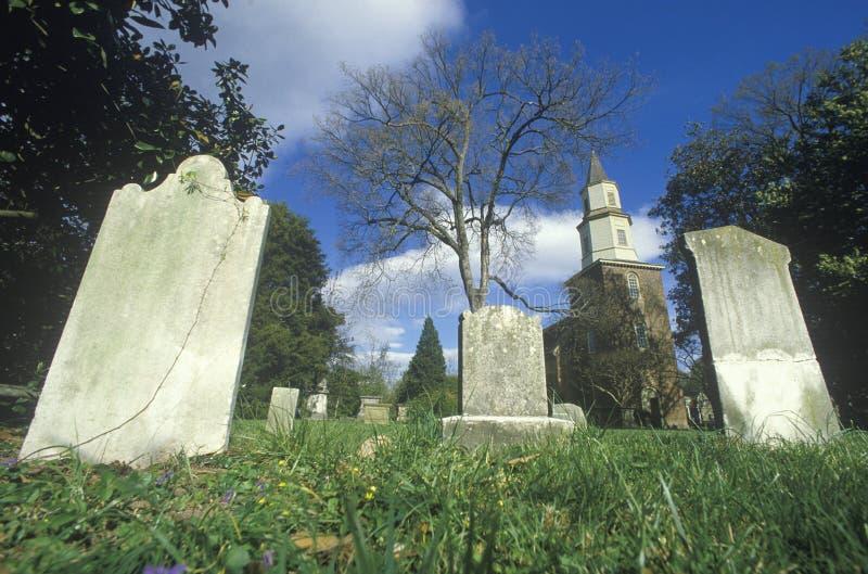 Cemitério em Bruton Parish em Williamsburg, Virgínia fotografia de stock royalty free