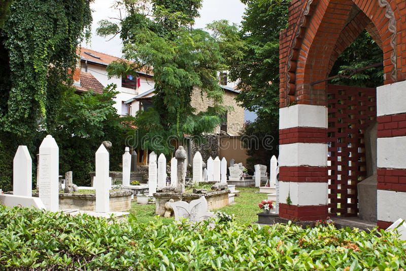 Cemitério em Mostar imagem de stock