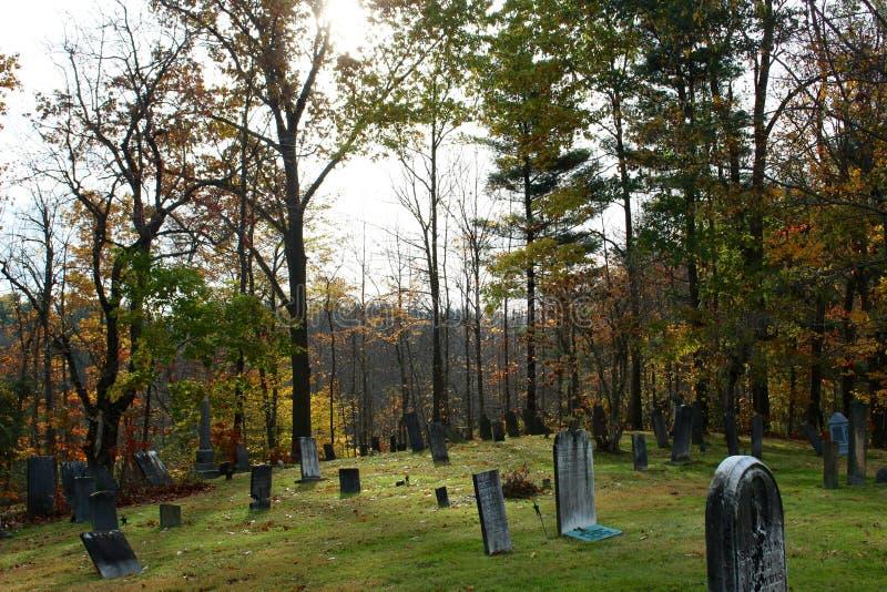 Cemitério histórico do montanhês em Ohio rural imagens de stock