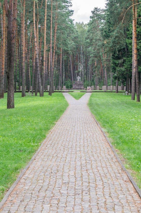 Cemitério memorável alemão perto de Smolensk em Rússia foto de stock