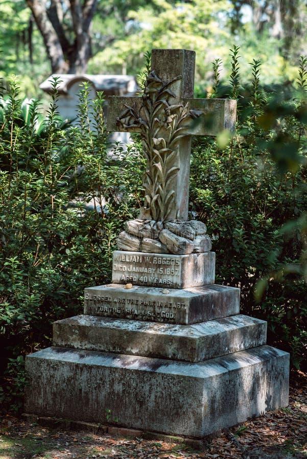 Cemitério Savannah Georgia de William Rogers Cemetery Statuary Statue Bonaventure foto de stock royalty free