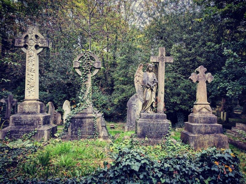 Cemiterybeeldhouwwerken stock foto