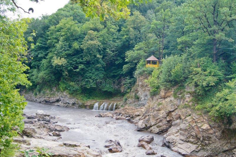 Cenário bonito da montanha do Cáucaso fotografia de stock royalty free