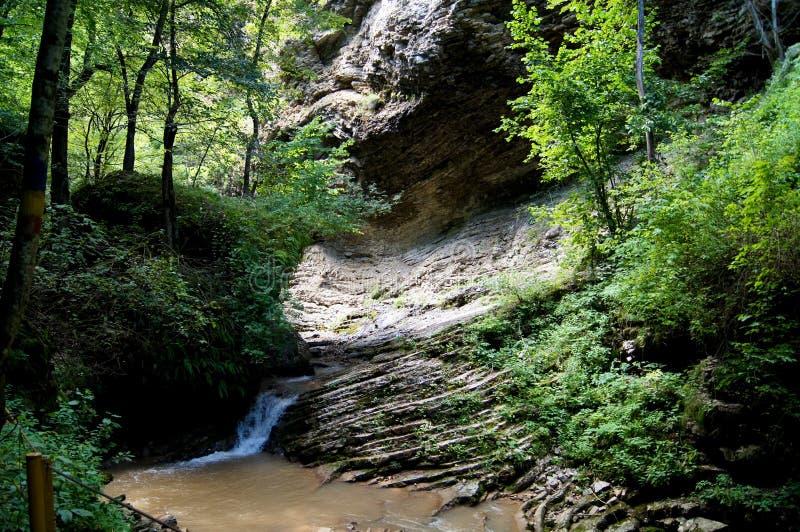 Cenário bonito da montanha do Cáucaso fotos de stock royalty free