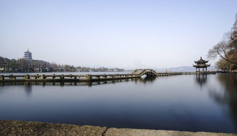 Cenário bonito do lago ocidental Hangzhou foto de stock royalty free