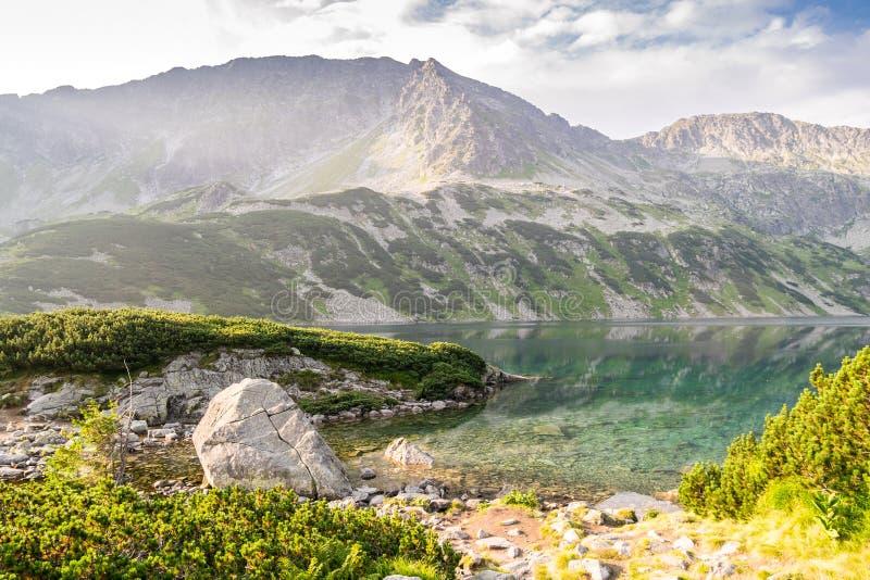 Cenário bonito do parque nacional das montanhas de Tatra fotos de stock royalty free