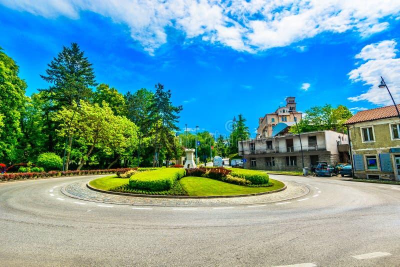 Cenário colorido na cidade de Pazin, Istria imagem de stock