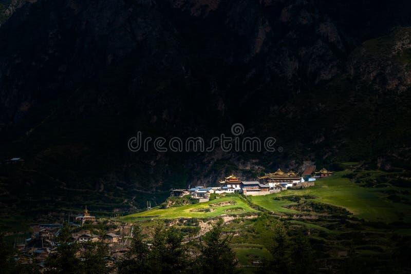 Cenário da montanha de Zhajana fotografia de stock