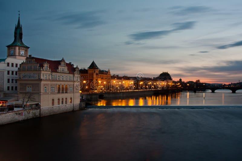 Cenário da noite de Praga imagens de stock