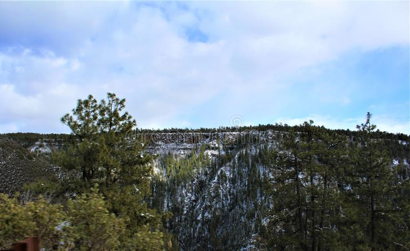 Cenário da paisagem, garganta de Maricopa County, Oak Creek, o Arizona, Estados Unidos foto de stock