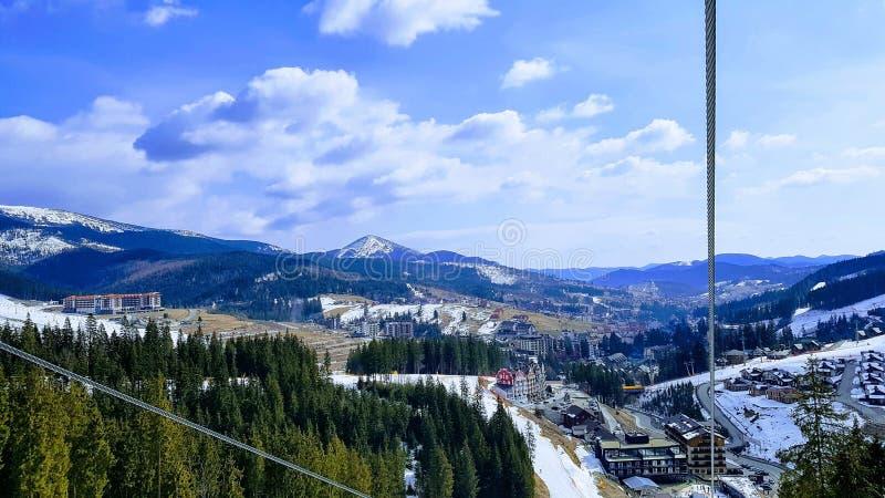 Cenário de Bukovel, Carpathians, Ucrânia fotos de stock