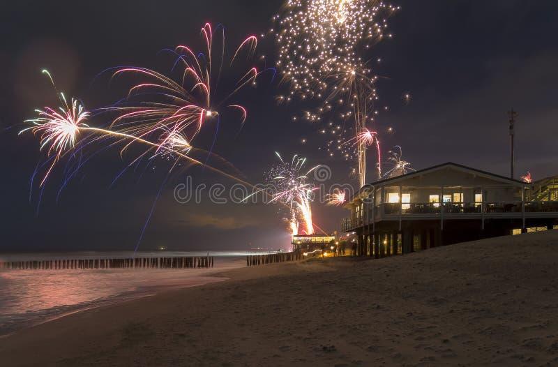 Cenário litoral dos fogos-de-artifício imagem de stock royalty free