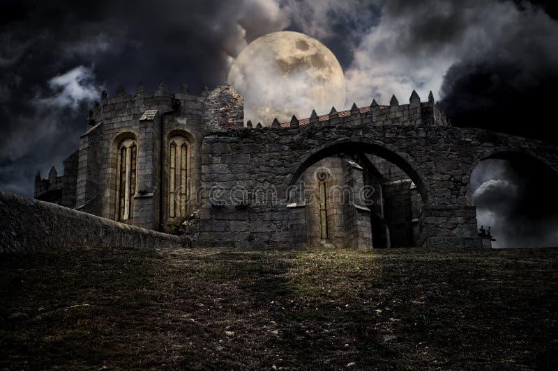 Cenário medieval de Halloween ilustração royalty free