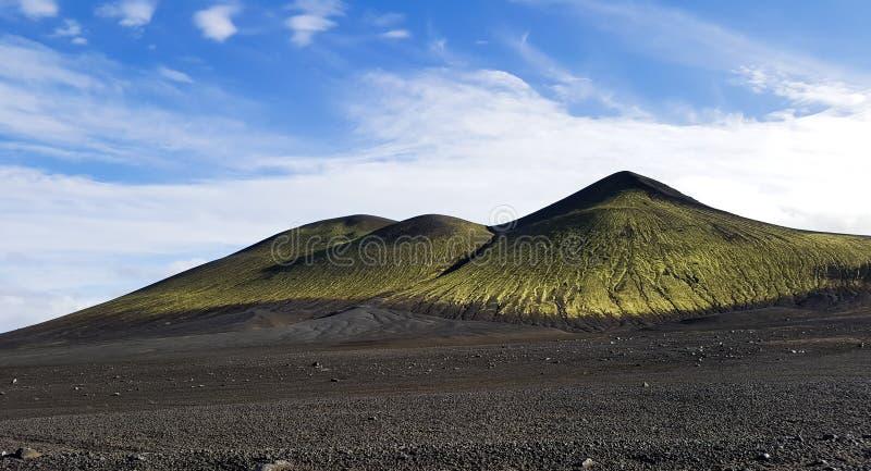 Cenário vulcânico extraordinário em Islândia fotografia de stock