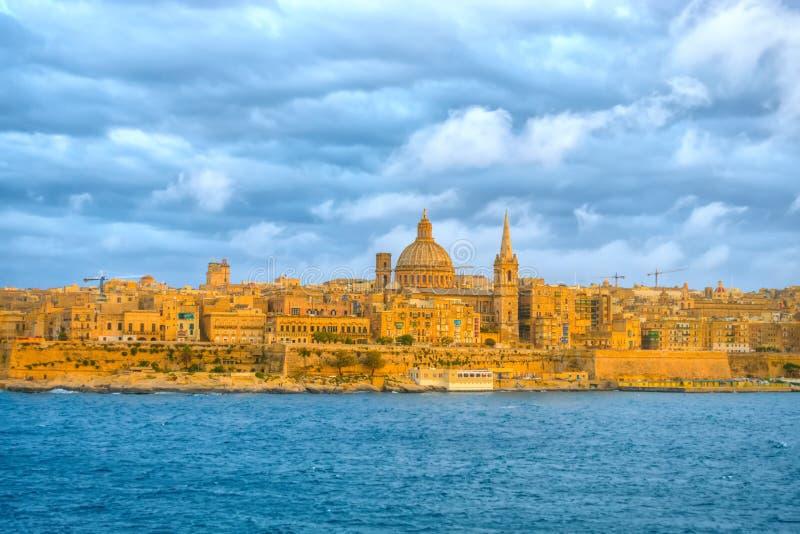 Cena bonita da basílica nossa senhora Mount Carmel em Valletta franco foto de stock