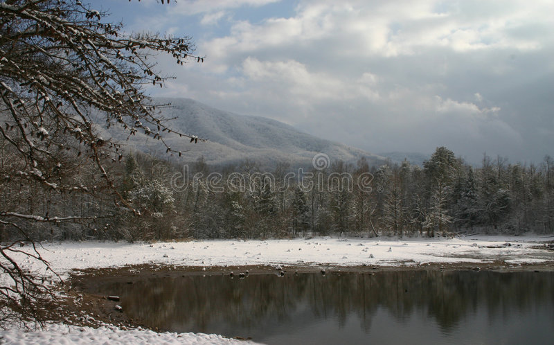 Cena bonita da neve imagens de stock