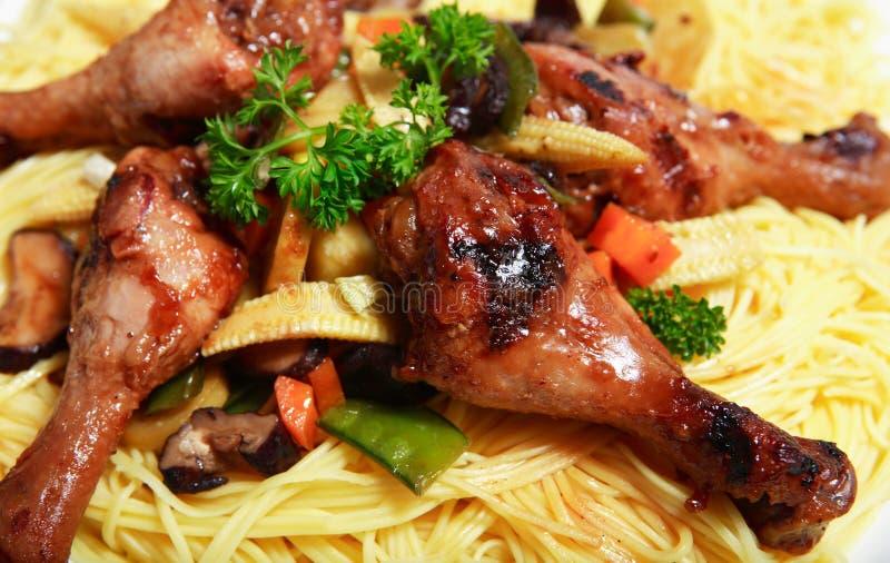 Cena china de los tallarines del pollo imágenes de archivo libres de regalías
