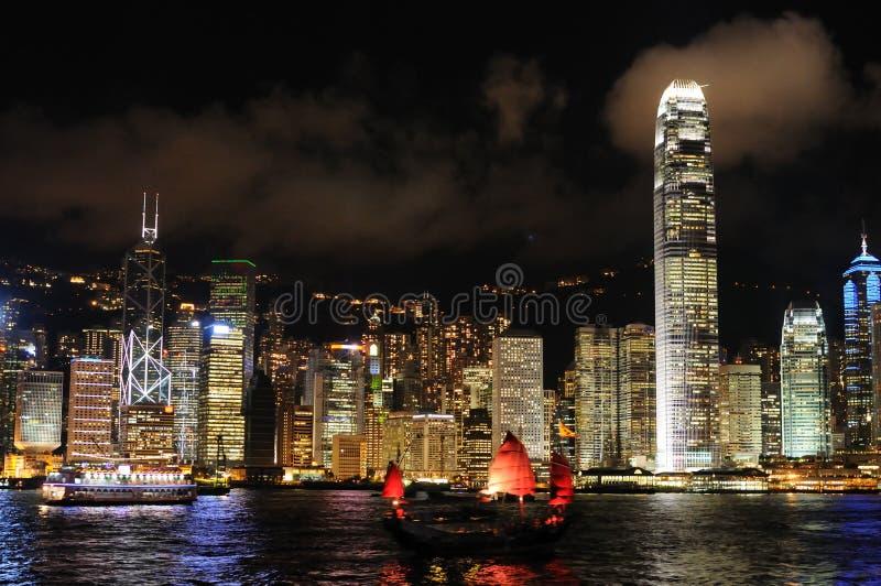 Cena da noite da arquitectura da cidade de Hong Kong imagens de stock royalty free