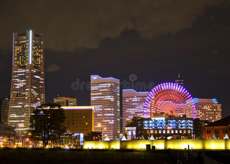 Cena da noite da arquitectura da cidade em Yokohama imagem de stock