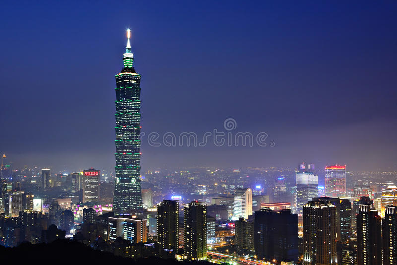 Cena da noite da cidade de Taipei fotos de stock