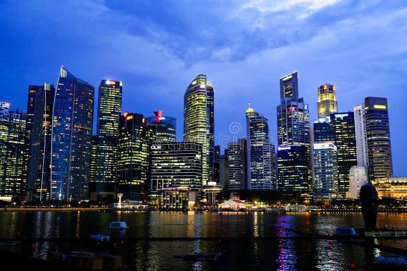 Cena da noite, Singapura imagens de stock