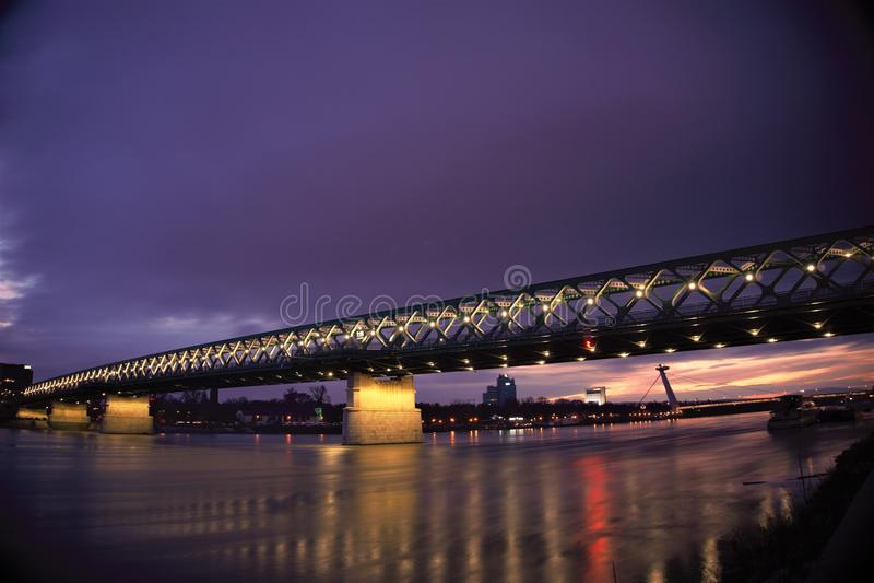 Cena da ponte da noite imagem de stock royalty free