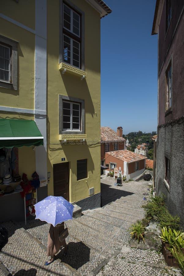 Download Cena Da Rua Na Cidade Do Sintra, Portugal Imagem de Stock - Imagem de verão, antigo: 107525221