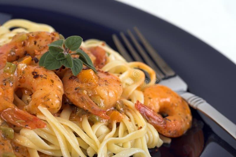Cena de las pastas y del camarón imagen de archivo libre de regalías