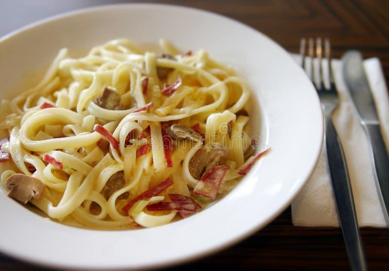 Cena deliciosa del Fettuccine imagen de archivo