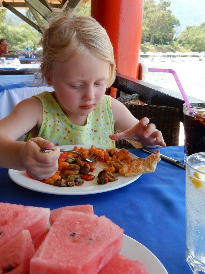 Cena dell'estate dei bambini fotografia stock