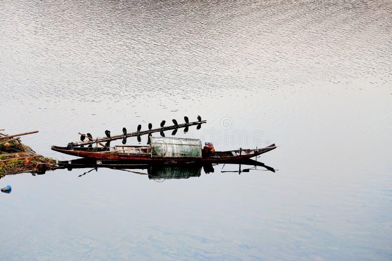A cena do beira-rio da cidade commerical antiga de Hongjiang foto de stock royalty free