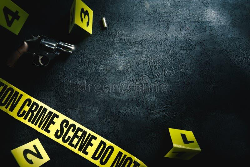 Cena do crime com iluminação dramática fotos de stock