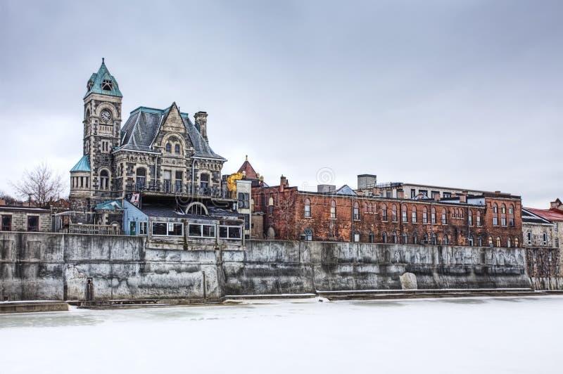 Cena do inverno ao longo do rio grande, Cambridge, Ontário, Canadá imagem de stock royalty free