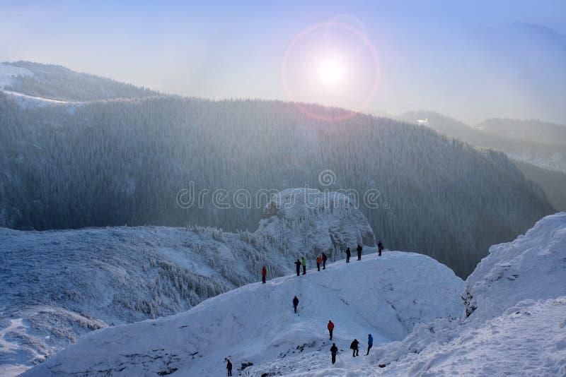 Cena do inverno na montanha de Ceahlau imagens de stock royalty free