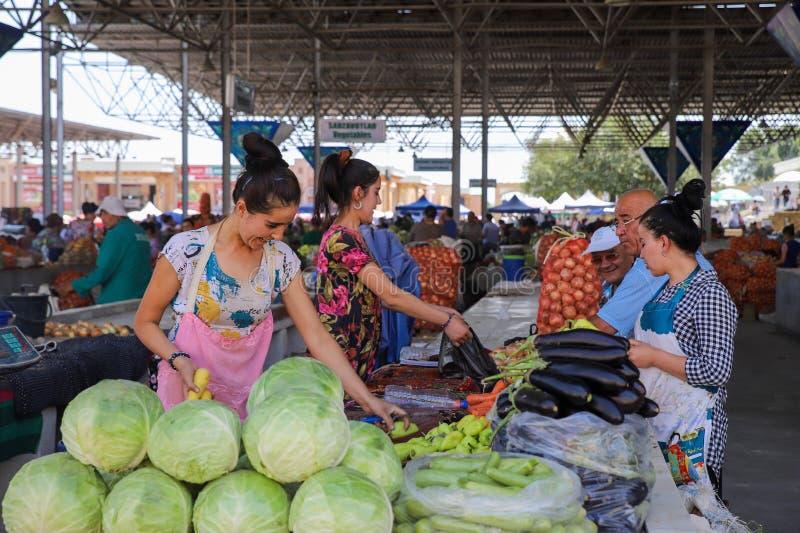 Cena do mercado em Samarkand, Usbequistão fotografia de stock royalty free