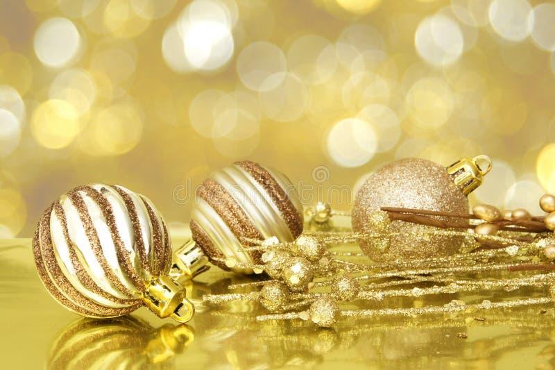 Cena dourada do Natal imagens de stock royalty free